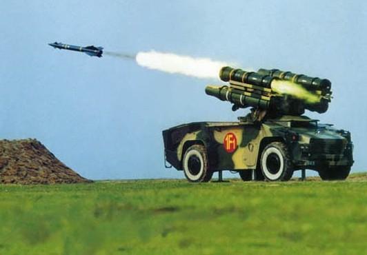 某型号坦克在炮弹发射时的冲击和噪声测试